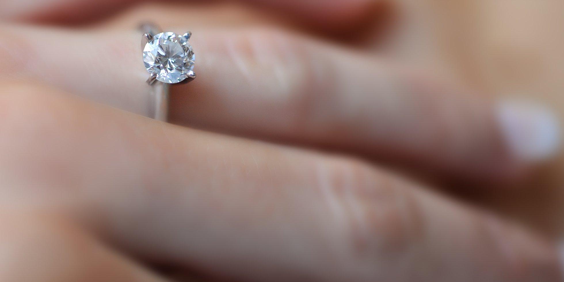 diamond ring toronto wedding photographer