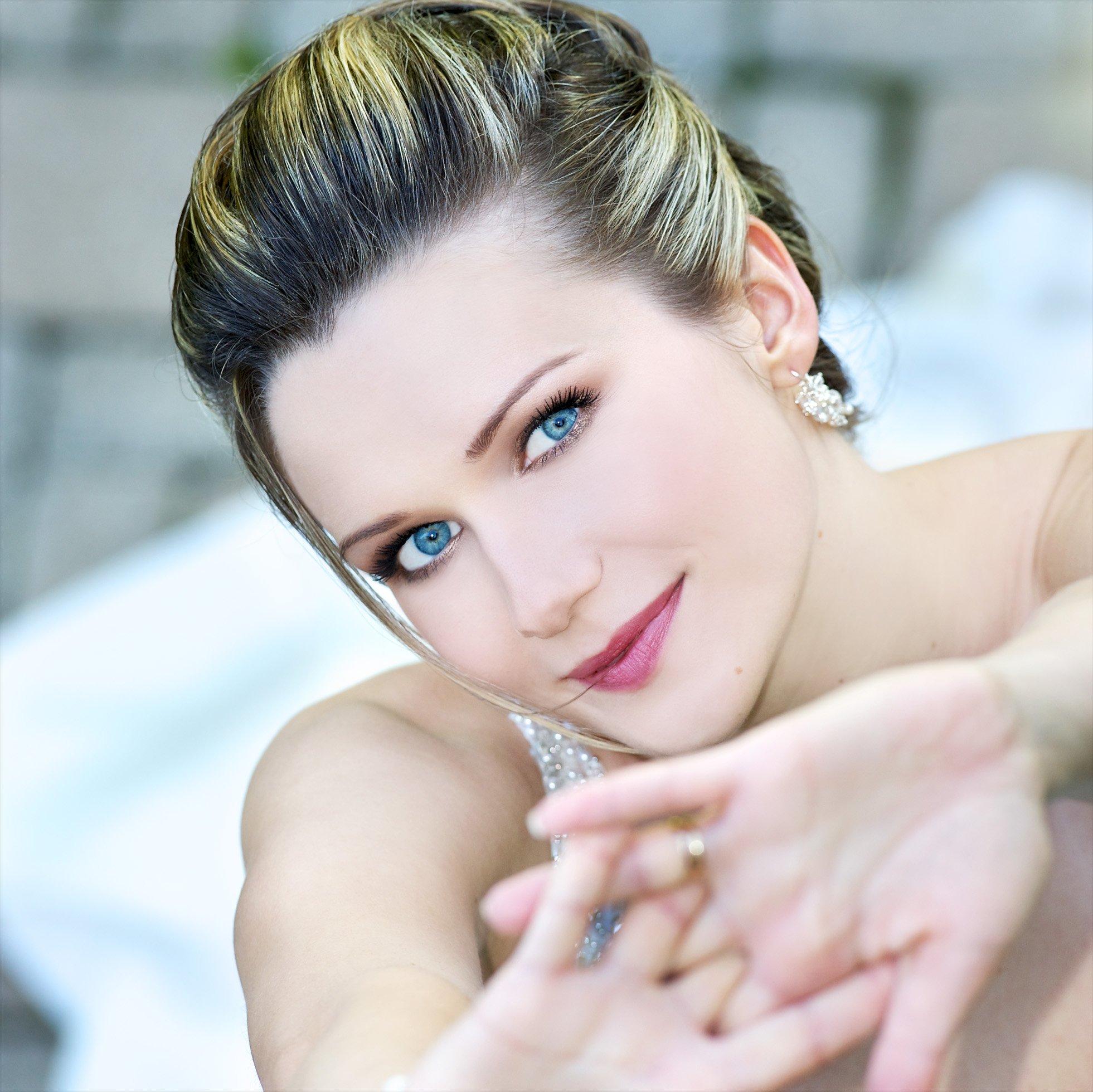 Toronto Bride image