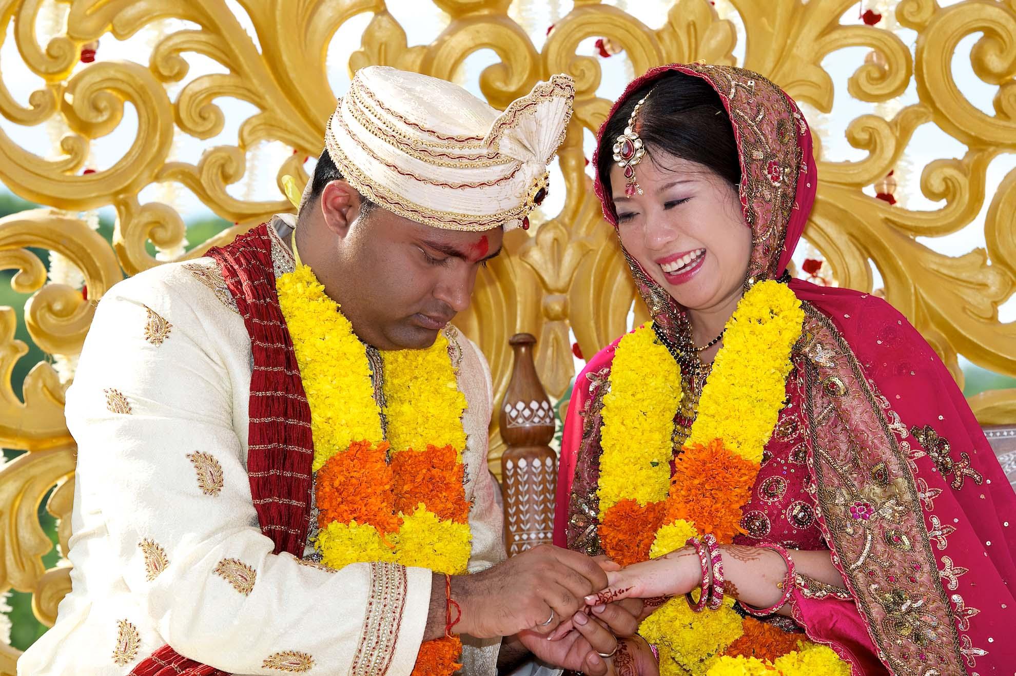 toronto wedding photographer ring exchange